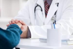 Demonstre otimismo e respeito ao paciente